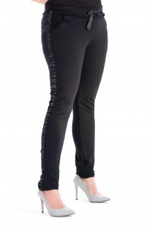 Czarne spodnie dresowe z lampasem - MOLY